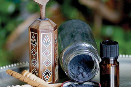 سرمه اثمد سنتی فراموش شده